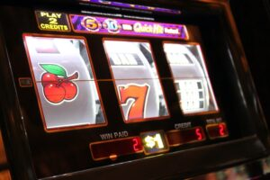 The Difference Between Online Slot Gambling and Casino Slots